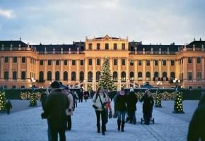 vienna-mercatini-natale-schonbrunn