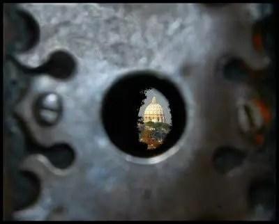 Roma dal buco della chiave, la vista su San Pietro