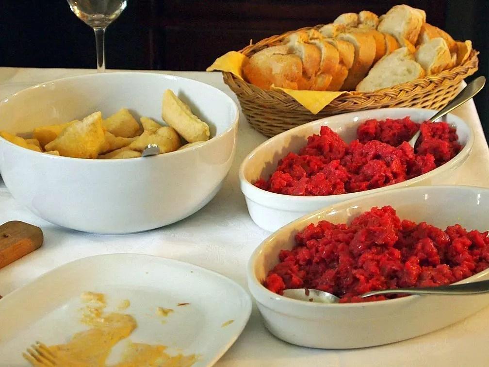 Agriturismo la bossolasca cucina tipica langarola viaggi low cost
