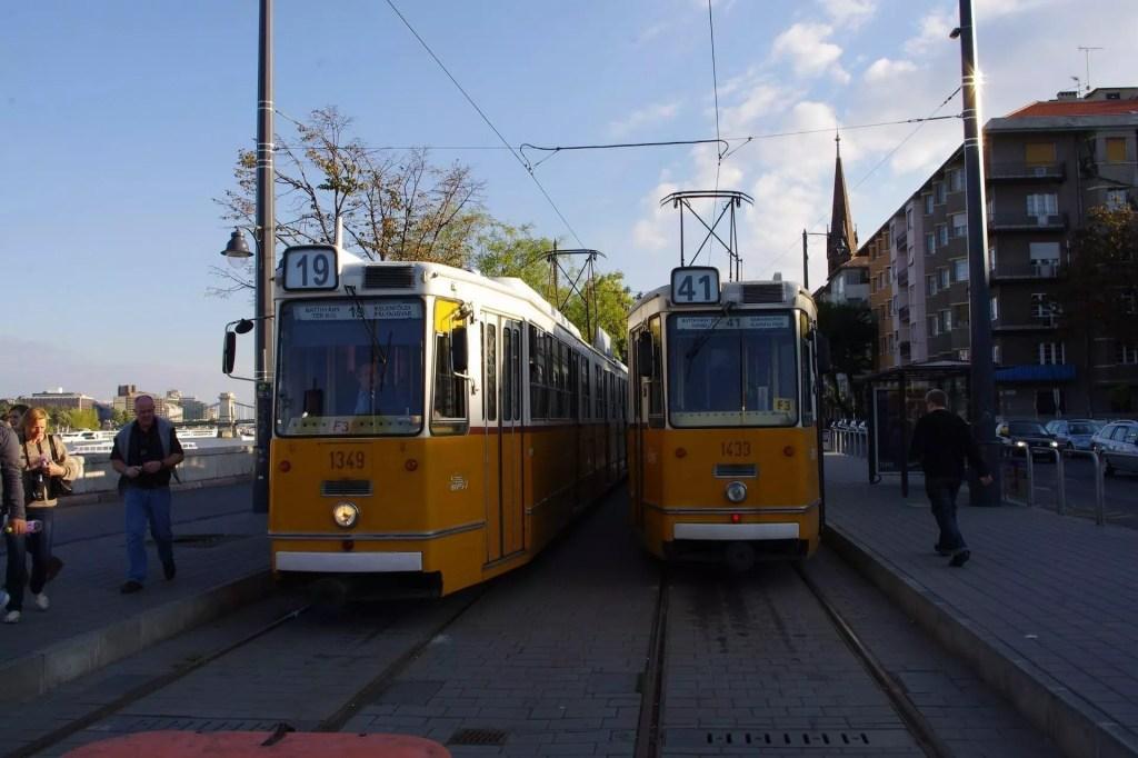 budapest-bus