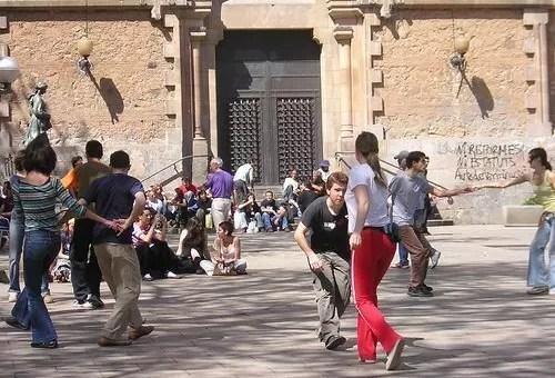 Per gli amanti del ballo a Barcellona lo swing si balla in piazza