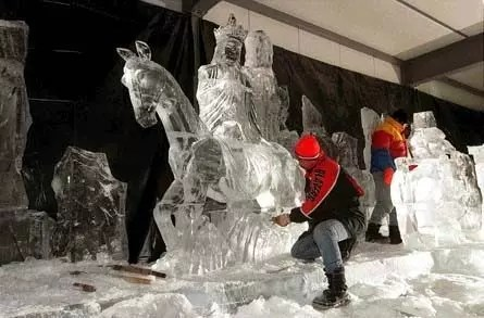 I Fratelli Grimm a Zwolle per il festival delle sculture di ghiaccio