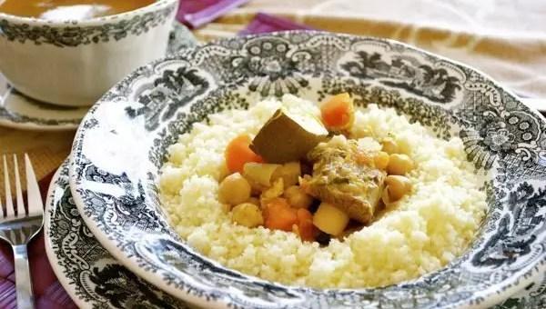 Torremolinos, mangiare marocchino a Malaga con massaggio a 15€