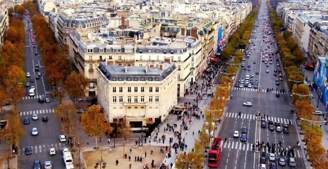 Champs-Élysées a Parigi, perché visitarli in Francia