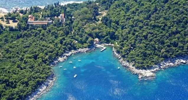 L'isola di Lokrum a Dubrovnik, paradiso terrestre dalle mille leggende