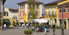 Outlet Serravalle Scrivia ad Alessandria, 180 negozi di shopping