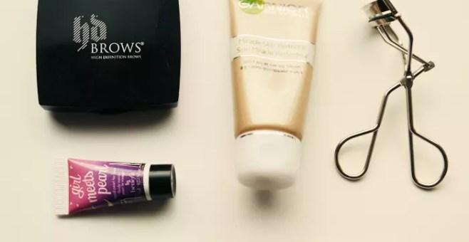 Travel Beauty Kit, 5 trucchi da viaggio low cost