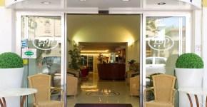 Hotel St. Pierre a Rimini, 3 stelle sul mare