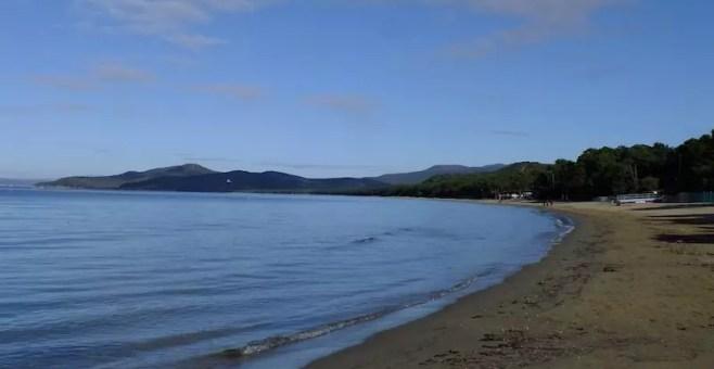 Spiaggia libera da sogno a Punta Ala, a Grosseto