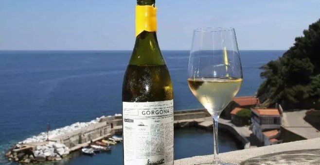 Sull'Isola di Gorgona con i vini Frescobaldi e i detenuti