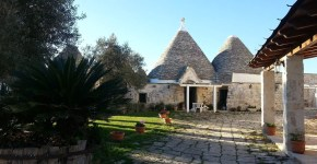 Mangiare e dormire in masseria nella Valle d'Itria