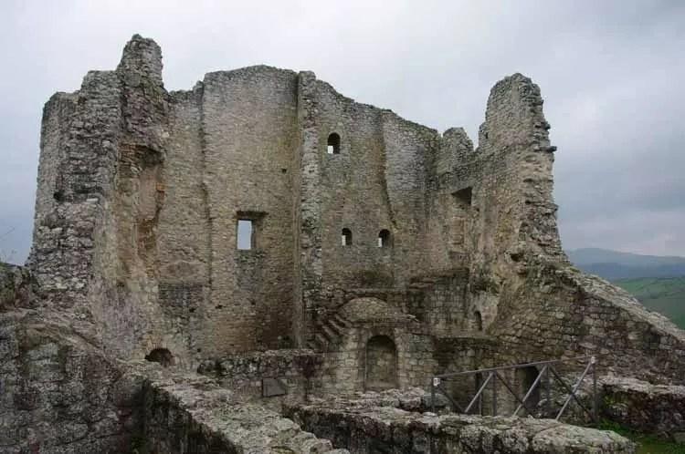 castello-di-canossa