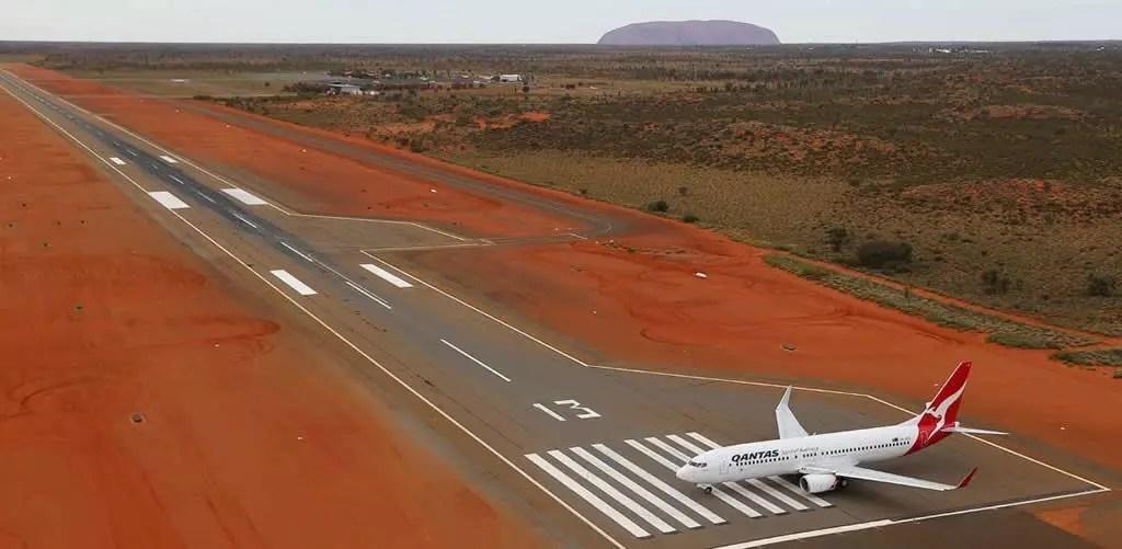 uluru-quantas-aeroporto