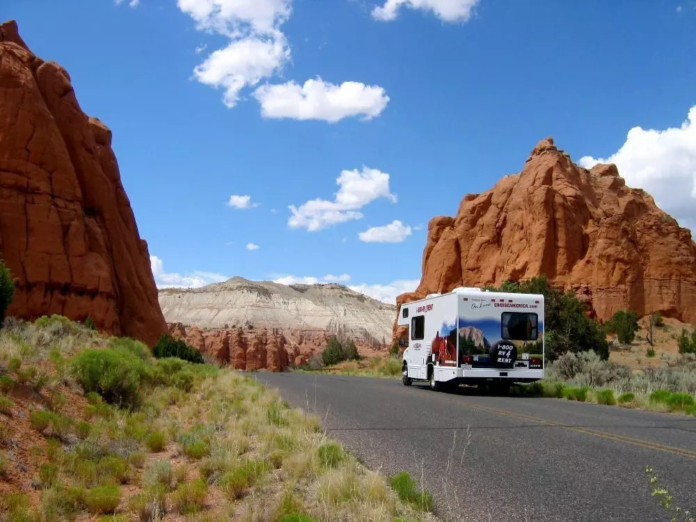 camper-on.the-road