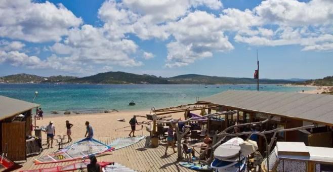 Porto Pollo: vacanza con il surf nel nord Sardegna