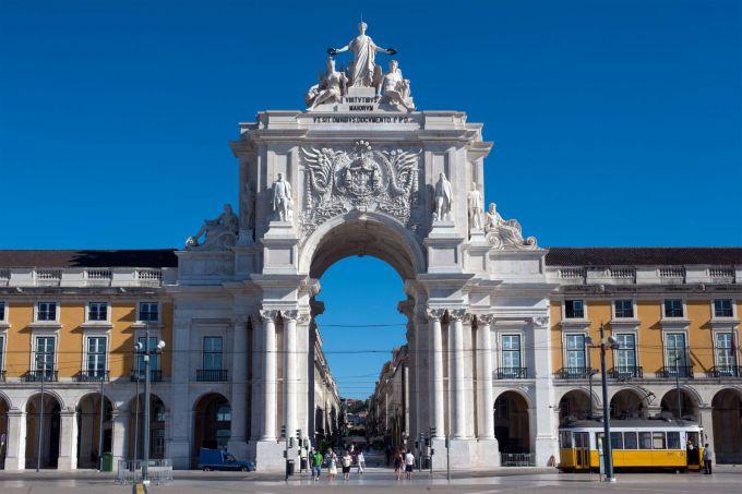 arco rua augusta nel cuore del centro storico di lisbona
