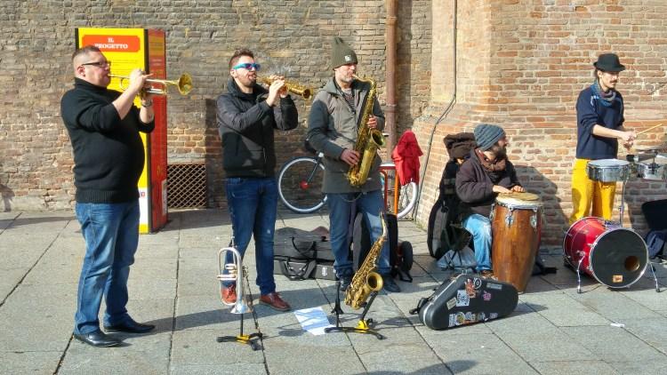 street art centro storico di bologna
