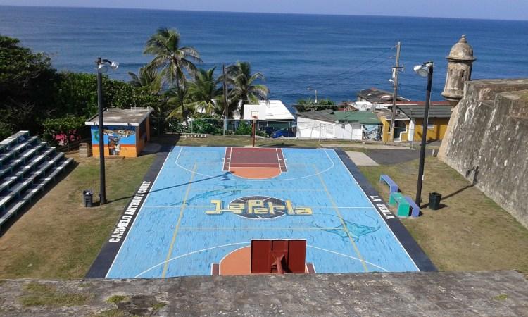 campo da basket a la perla san juan de porto rico