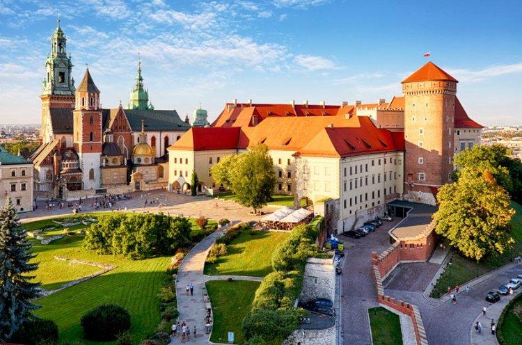 ll castello di wawel sulla collina del Wawel a cracovia in polonia