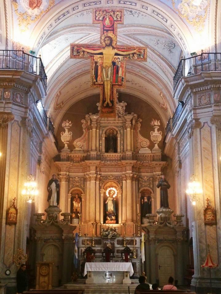 interni della basilica di san francesco a salta la linda