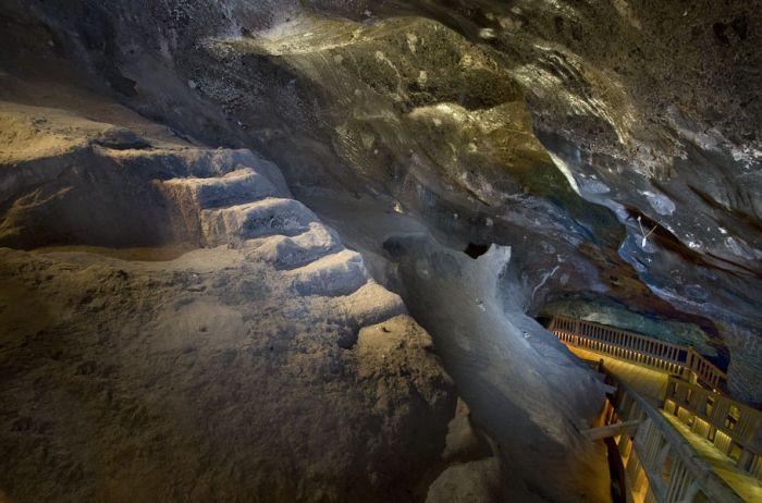 le rocce della miniera di sale di wieliczka vicino a cracovia in polonia