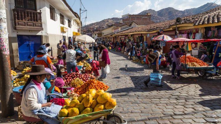 venditori per le strade di cusco