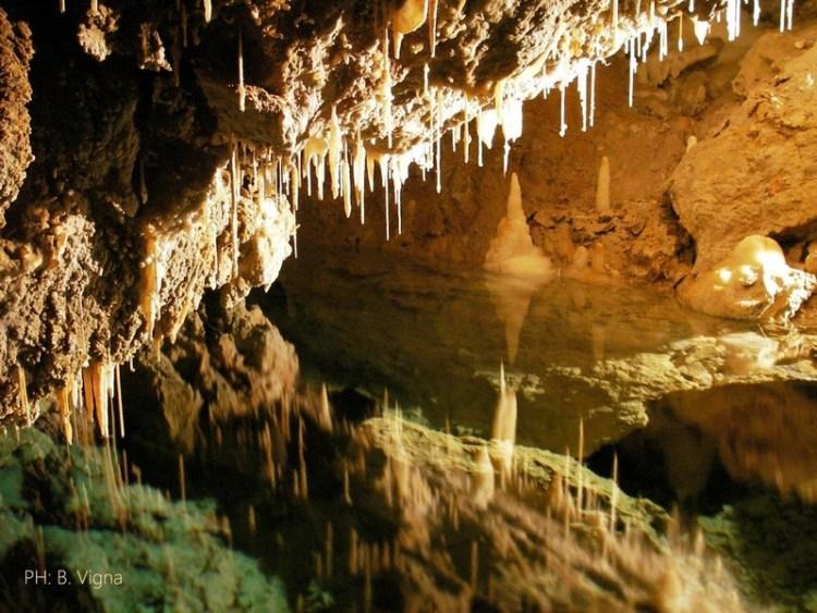 stalattiti delle grotte di borgio verezzi