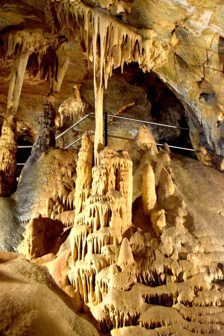 le concrezioni della grotta di toirano