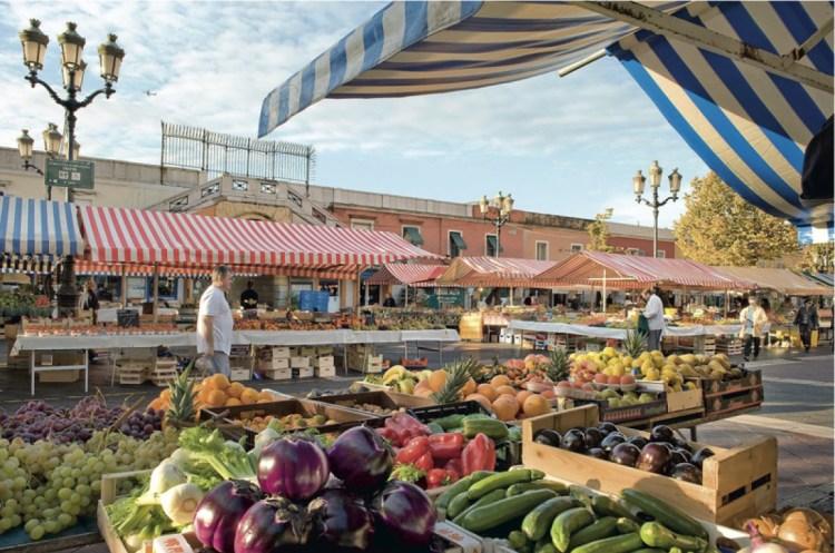 week-end a nizza per visitare il marché aux fruits cours saleya