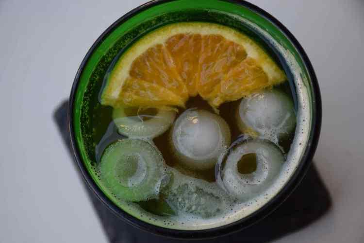 bevanda-a-base-di-sciroppo-di-chinotto-di-savona