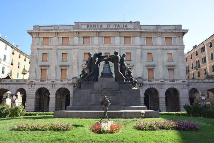 Piazza Mameli nel centro di Savona