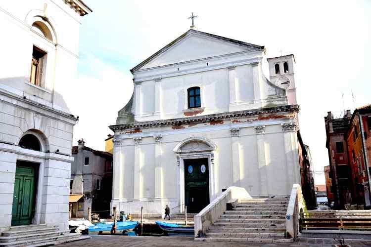 Chiesa del Patrocinio di Maria Santissima dei Filippini nel centro storico di Chioggia