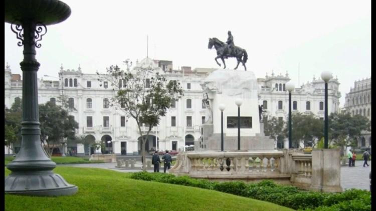 plaza san martin a lima capitale del peru