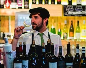 Divinus. Despacho de vinos Street Food al Mercado de San Ildefonso