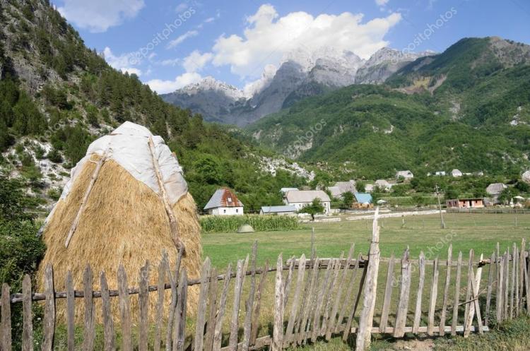 il villaggio di theth nel cuore delle alpi albanesi