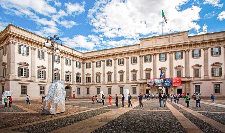 celebrazioni a palazzo reale per la morte di Leonardo