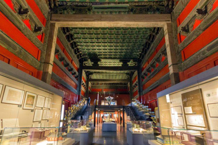 gli ambienti oltre la porta della gloria dell'est della Città Proibita di Pechino