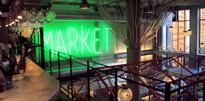 un ambiente dello Street Market Mercado de San Ildefonso