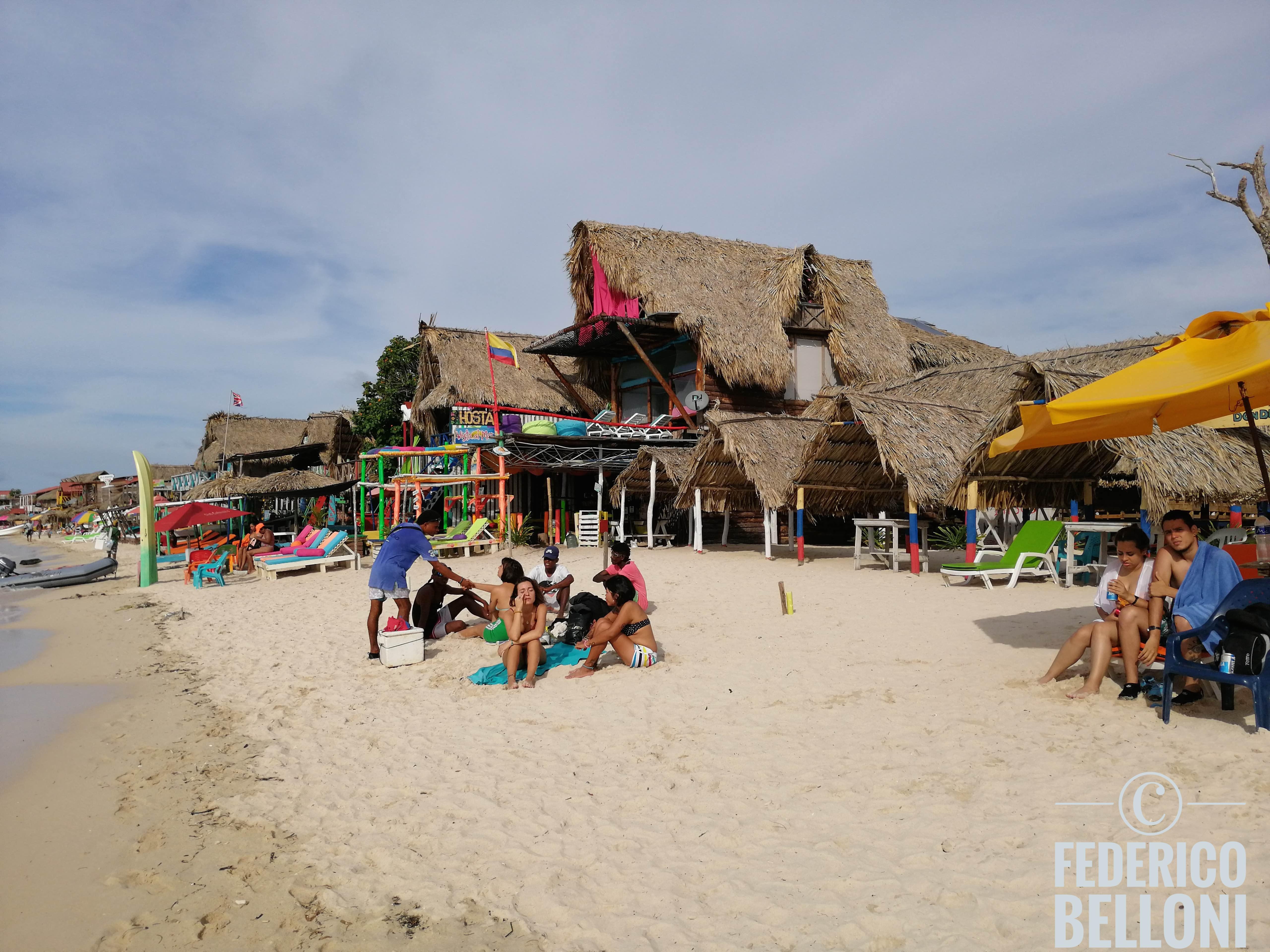 ostello playa blanca isla de barú