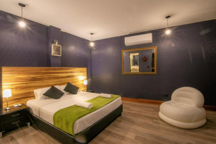 ostelli a cartagena de indias the clock hostel and suites