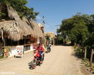 in modo per le strade di Palomino, Colombia