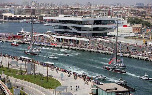 Il porto di valencia durante la aerican's cup