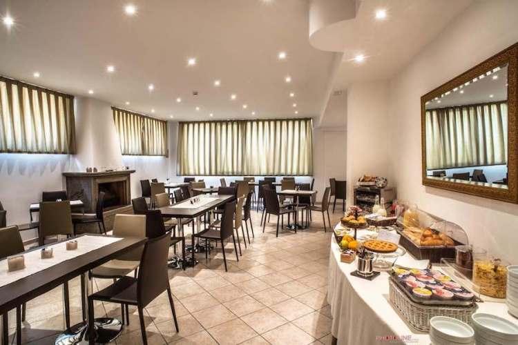 sala breakfast hotel villa giulia vicino aeroporto di ciampino