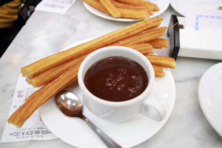 churros e cioccolata calda