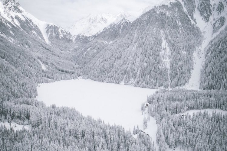 paesaggio innevato di valle anteselva