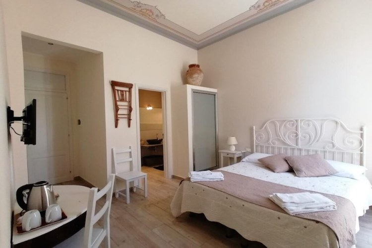 una camera del boutique rooms & breakfast GranVeliero nel centro di Trapani