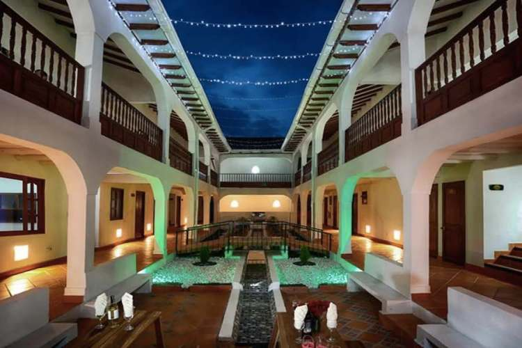 il patio dell'hotel VDL colonial by prime collection