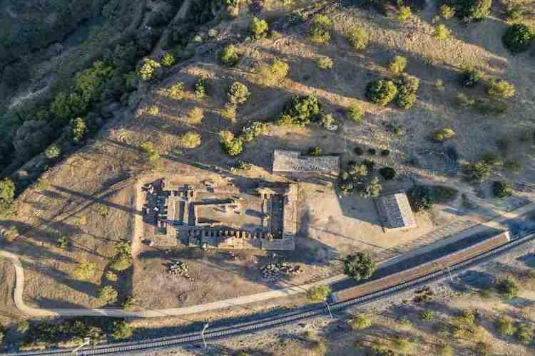 i resti del tempio di vulcano valle dei templi agrigento