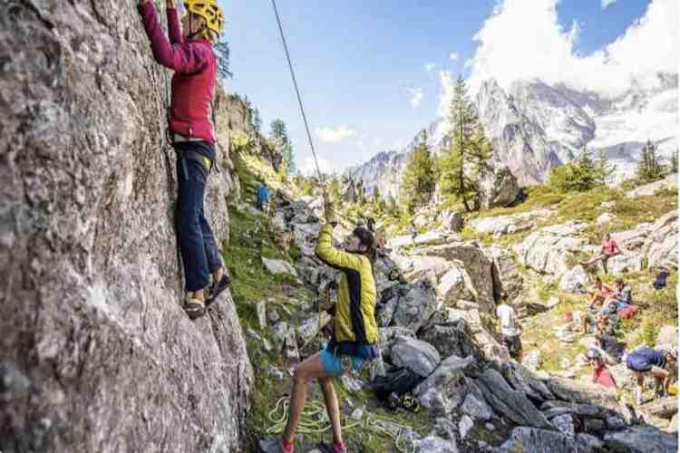 climbing a courmayeur
