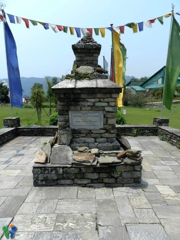 Monumento ai caduti delle montagne